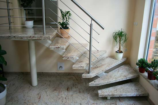 Treppe bauen stein: garten anders unregelmäßige natursteintreppe ...